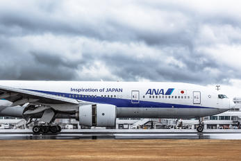 JA8198 - ANA - All Nippon Airways Boeing 777-200