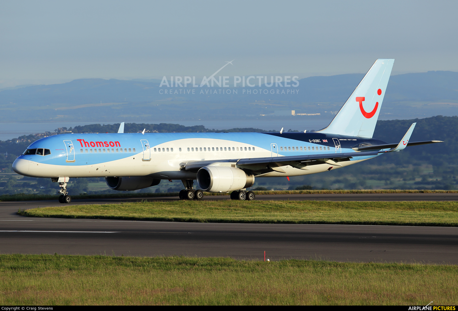Thomson/Thomsonfly G-OOBC aircraft at Bristol - Lulsgate