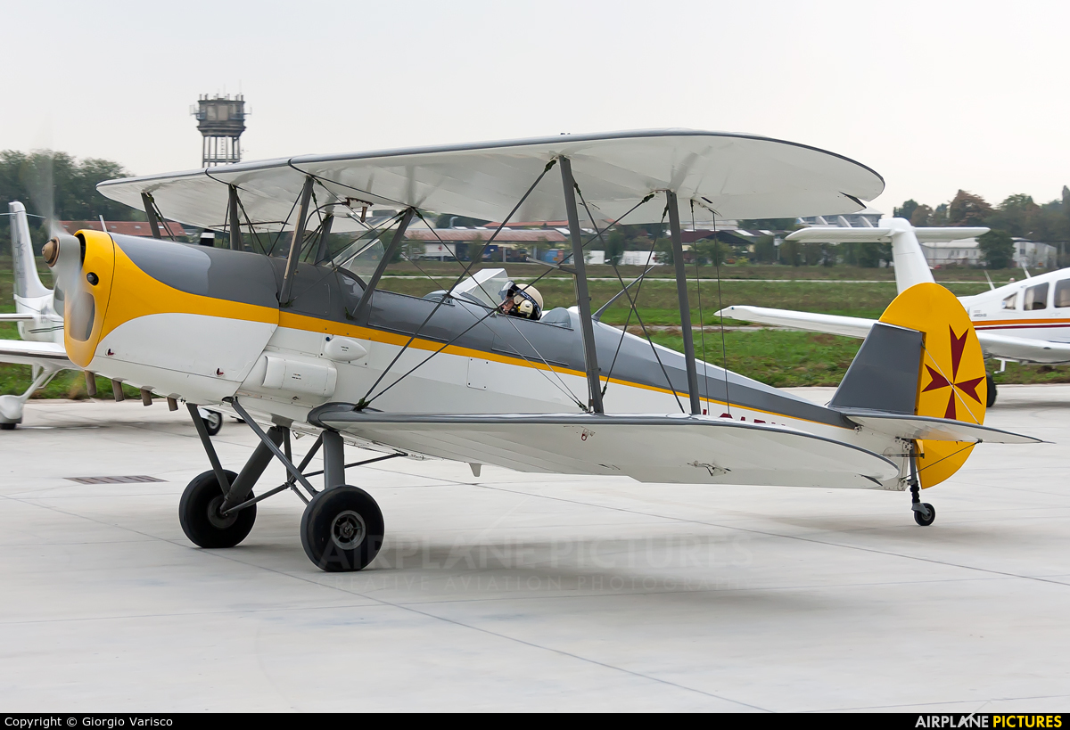 Private I-SARY aircraft at Milan - Bresso