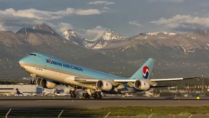 HL7617 - Korean Air Cargo Boeing 747-8F