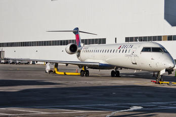 N712EV - Delta Connection - ASA Canadair CL-600 CRJ-700