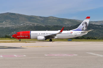 LN-NOZ - Norwegian Air Shuttle Boeing 737-800