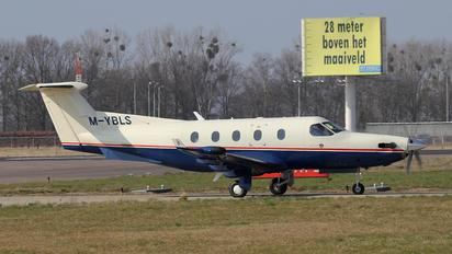 M-YBLS - Private Pilatus PC-12