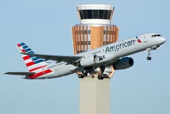 N201UU - American Airlines Boeing 757-200