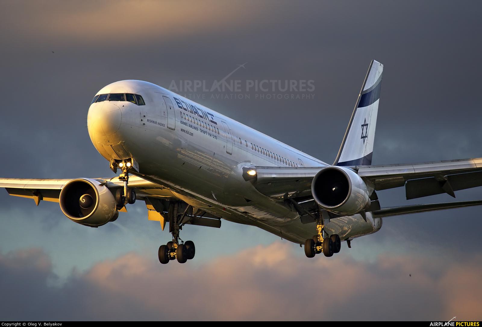 El Al Israel Airlines 4X-EAL aircraft at London - Heathrow