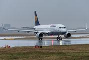 D-AIUL - Lufthansa Airbus A320 aircraft
