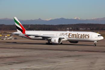 A6-EBJ - Emirates Airlines Boeing 777-300ER