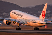JA010D - JAL - Japan Airlines Boeing 777-200 aircraft