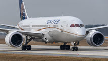 N26910 - United Airlines Boeing 787-8 Dreamliner aircraft