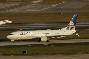 N69839 - United Airlines Boeing 737-900ER