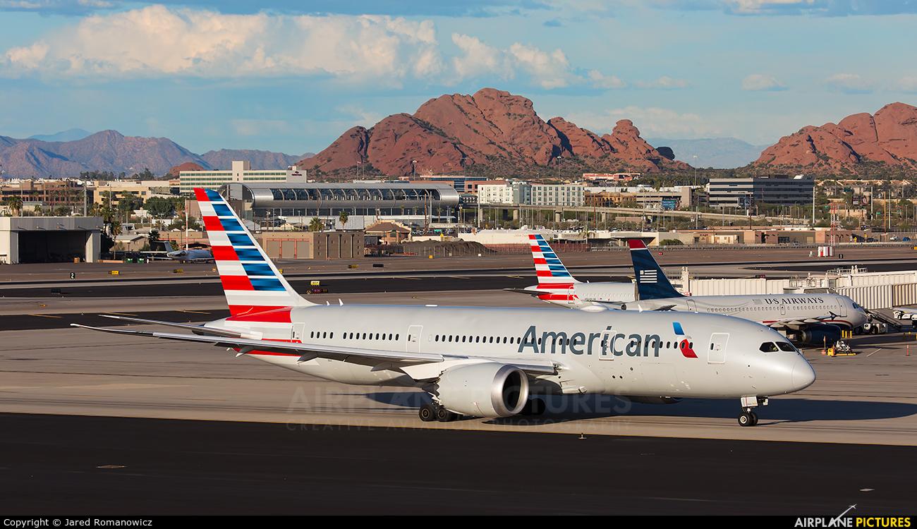 N800an American Airlines Boeing 787 8 Dreamliner At