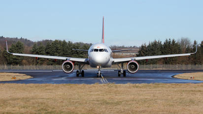 G-EZWO - easyJet Airbus A320