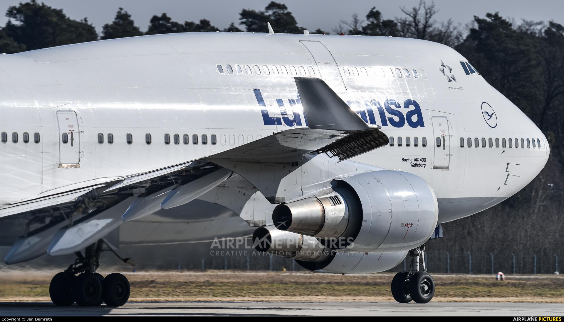 Lufthansa D-ABVW aircraft at Frankfurt