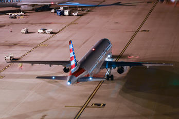 N520UW - American Airlines Airbus A321