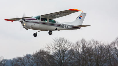 D-EEXG - Private Cessna 210 Centurion