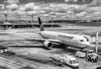 N68160 - Continental Airlines Boeing 767-200ER