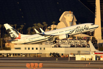 N577AS - Alaska Airlines Boeing 737-800