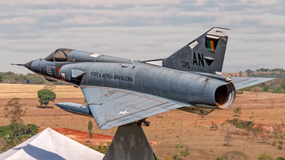 4915 - Brazil - Air Force Dassault Mirage III F-103E