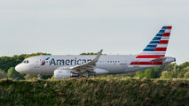 Latest American Airlines Airbus A319 title=