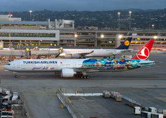 TC-JJU - Turkish Airlines Boeing 777-300ER