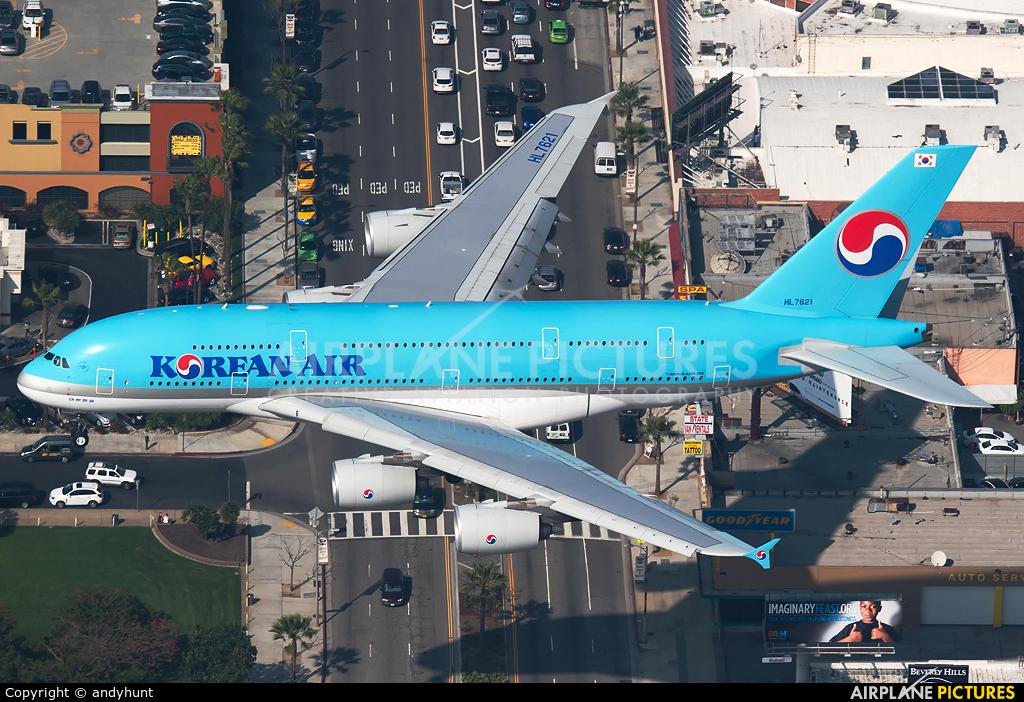 Korean Air HL7621 aircraft at Los Angeles Intl