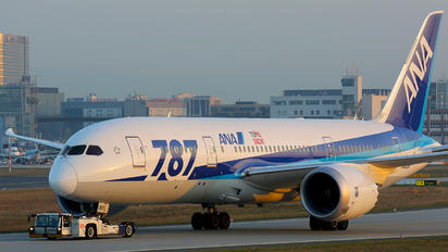 JA813A - ANA - All Nippon Airways Boeing 787-8 Dreamliner