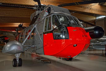 U-240 - Denmark - Air Force Sikorsky S-61A Sea King
