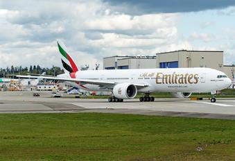A6-ENZ - Emirates Airlines Boeing 777-300ER