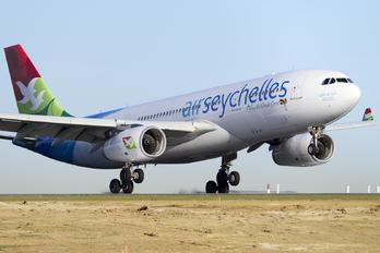 A6-EYZ - Air Seychelles Airbus A330-200