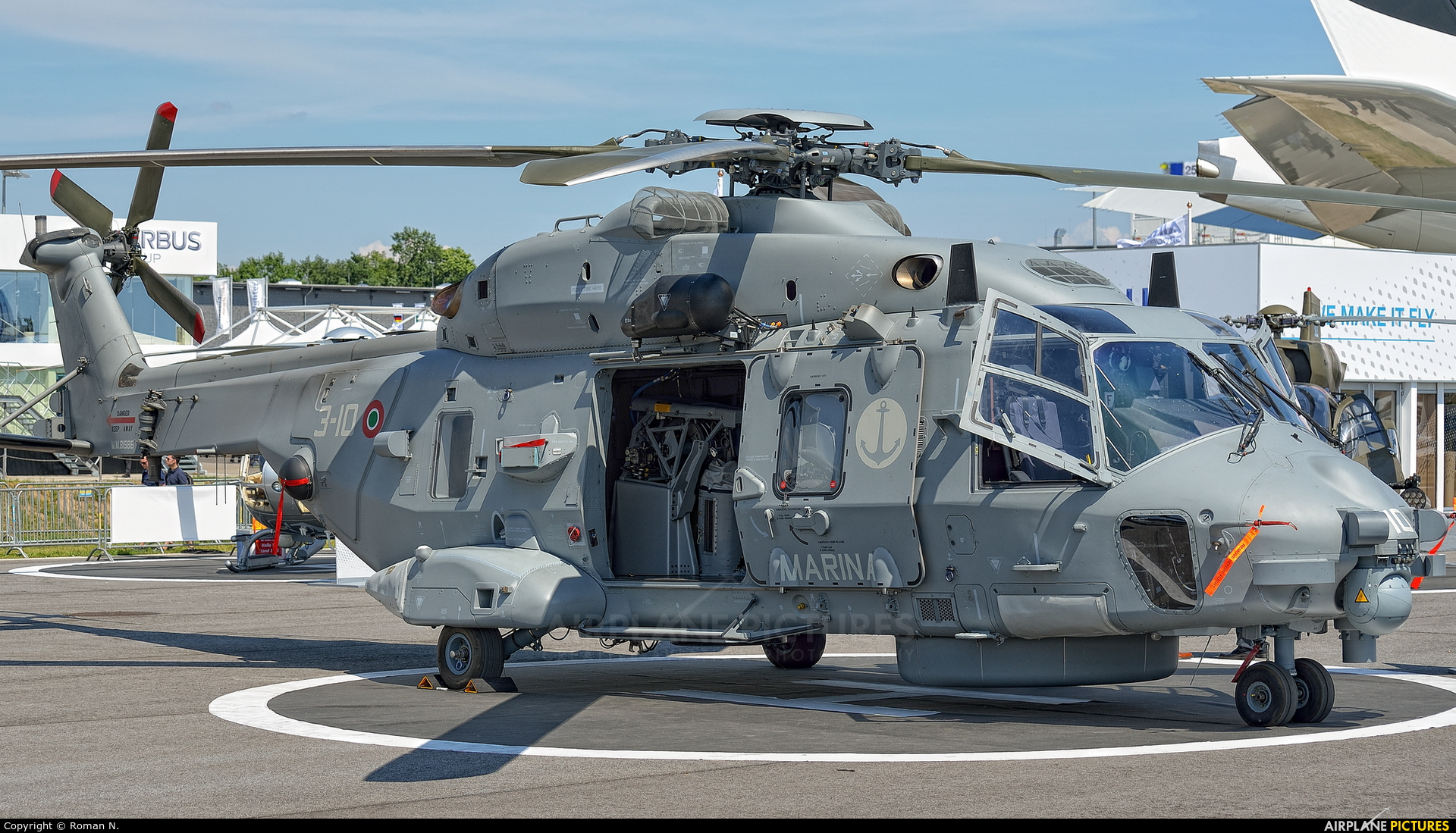 Elicottero 90 : M italy navy nh industries nfh at berlin