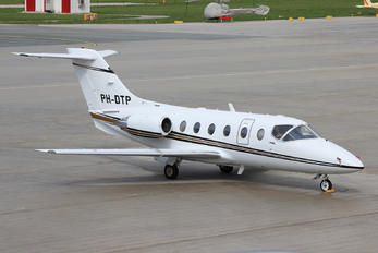 PH-DTP - JetNetherlands Hawker Beechcraft 400A Beechjet