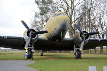 43-49081 - USA - Air Force Douglas C-47B Skytrain