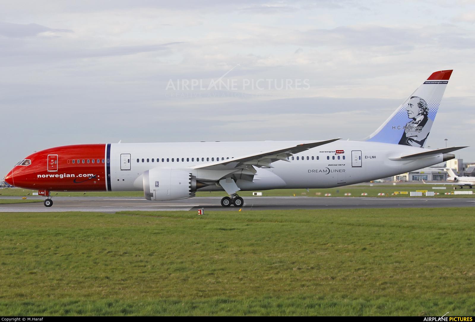 Norwegian Air Shuttle EI-LNH aircraft at Dublin
