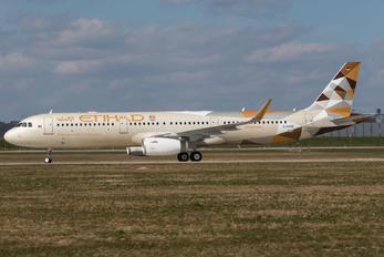 D-AVXE - Etihad Airways Airbus A321
