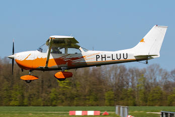 PH-LUU - Private Cessna 172 Skyhawk (all models except RG)