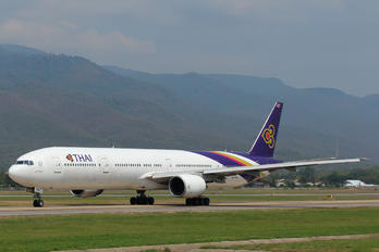 HS-TKA - Thai Airways Boeing 777-300