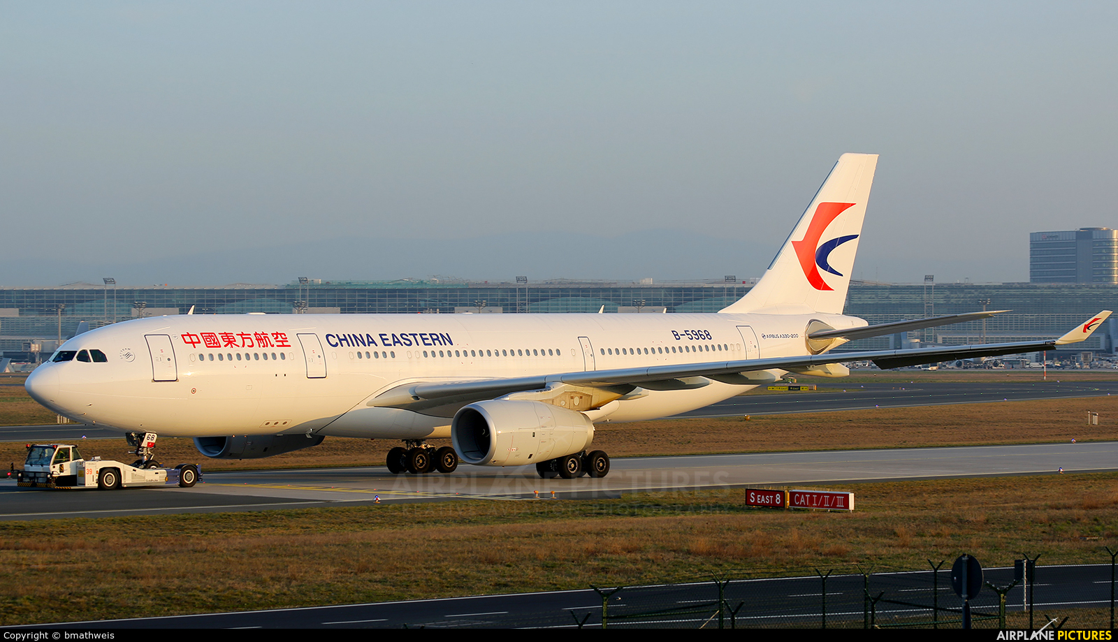 B 5968 china eastern airlines airbus a330 200 at - China eastern airlines sydney office ...