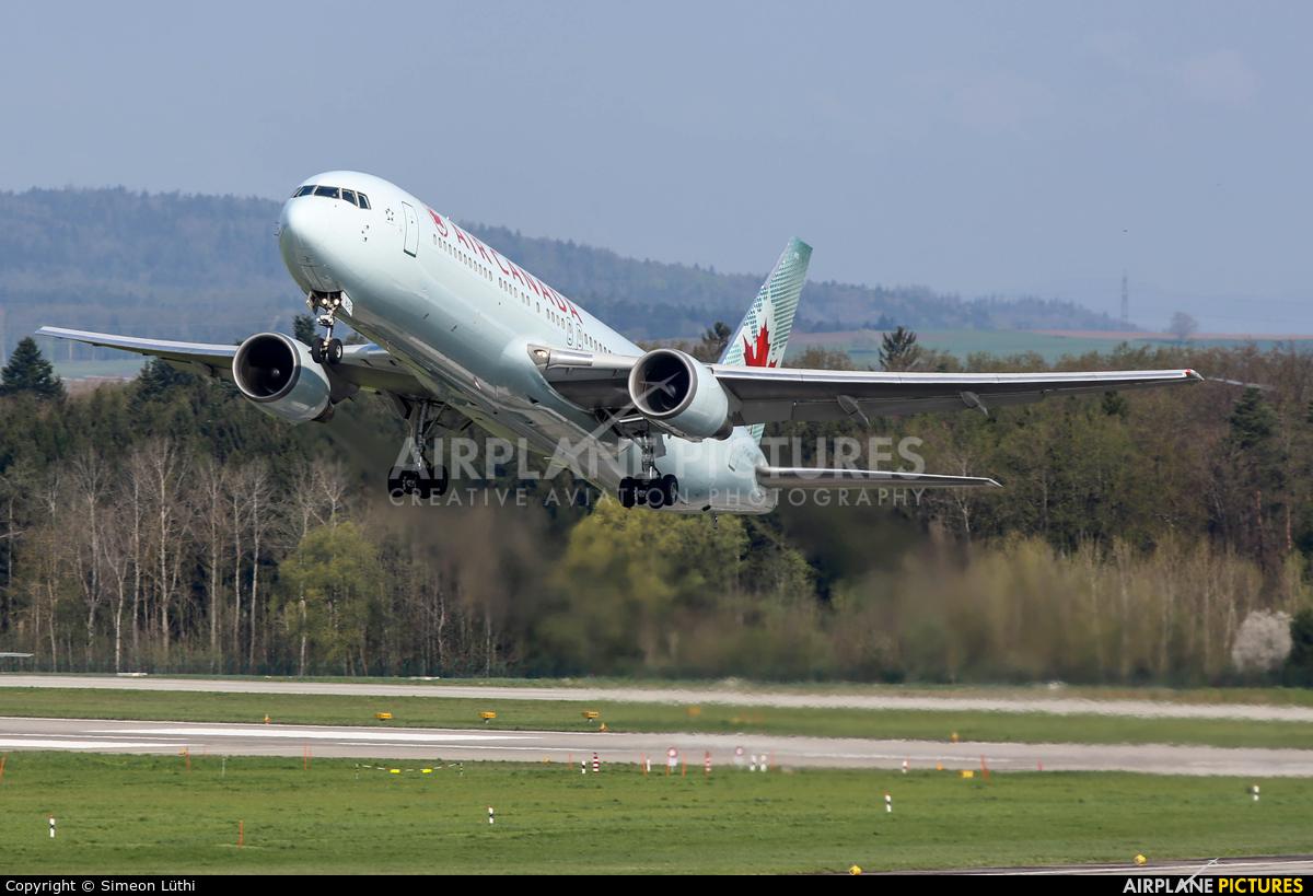 Air Canada C-GHOZ aircraft at Zurich
