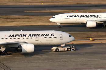 JA8978 - JAL - Japan Airlines Boeing 777-200