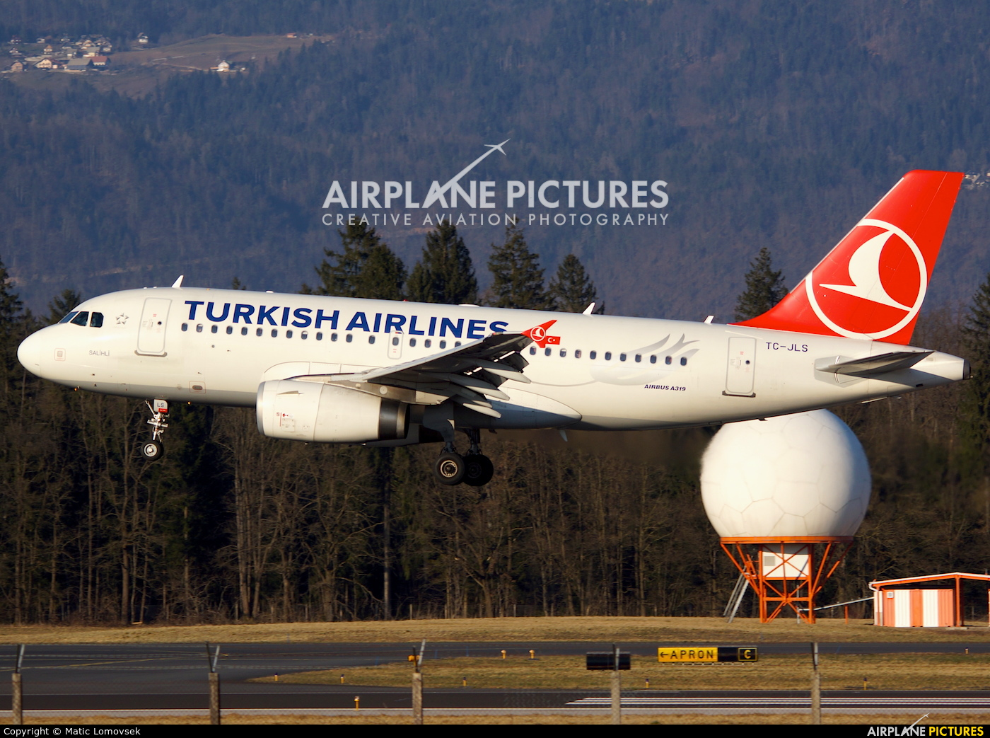 Turkish Airlines TC-JLS aircraft at Ljubljana - Brnik