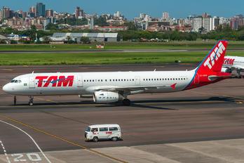 PT-MXH - TAM Airbus A321