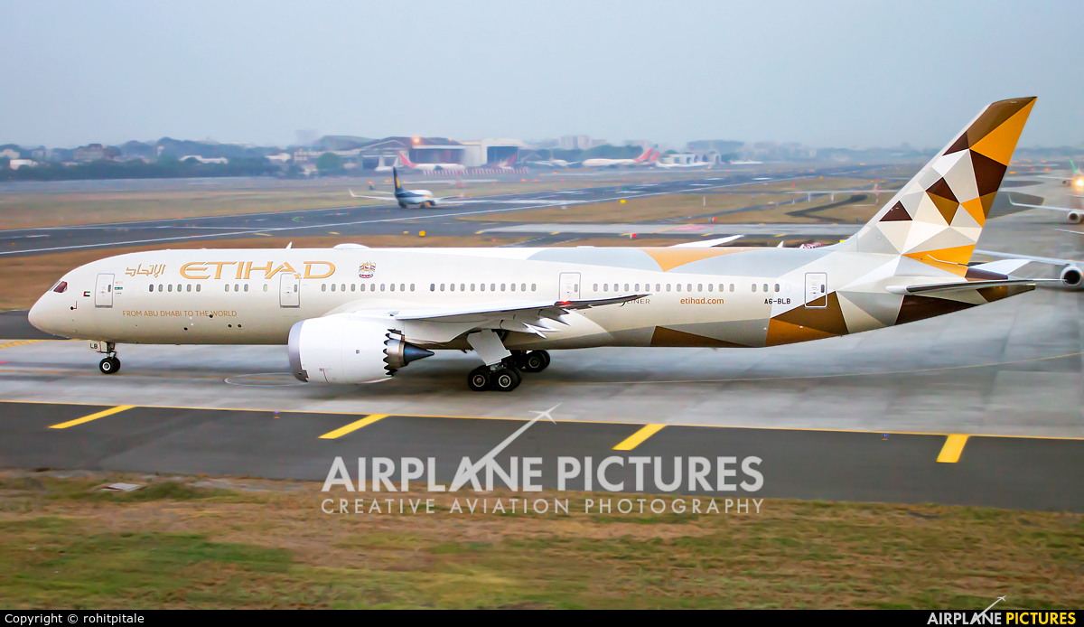 Etihad Airways A6-BLB aircraft at Mumbai - Chhatrapati Shivaji Intl