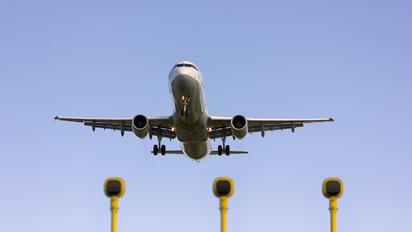 D-AISO - Lufthansa Airbus A321