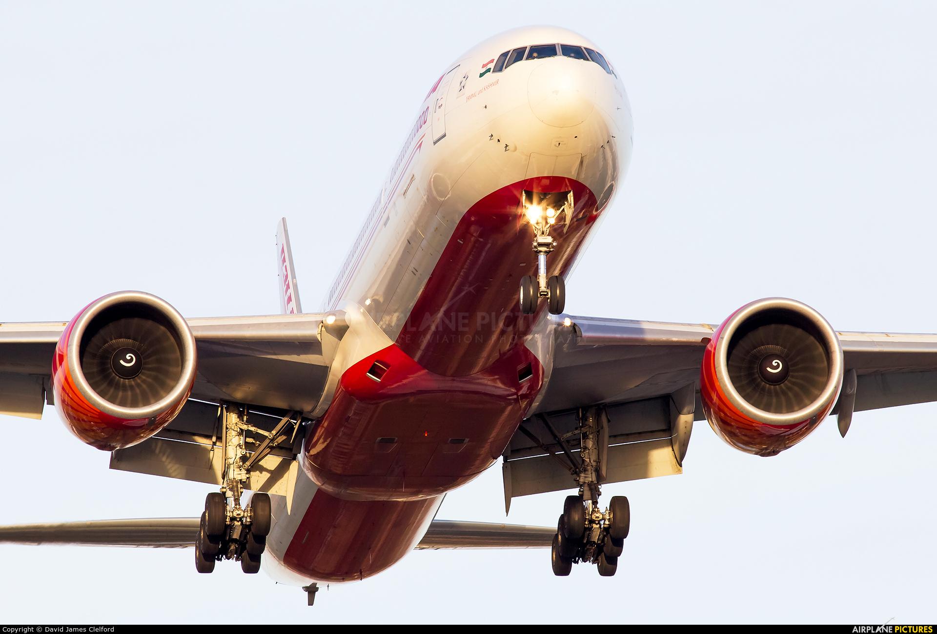 Air India VT-ALN aircraft at London - Heathrow