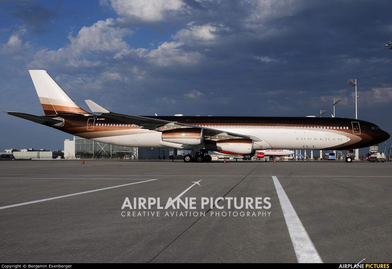 Global Jet Luxembourg M-IABU aircraft at Munich
