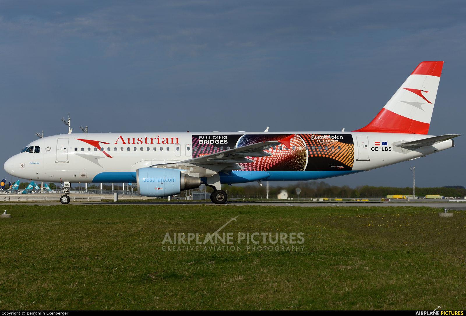 Austrian Airlines/Arrows/Tyrolean OE-LBS aircraft at Munich