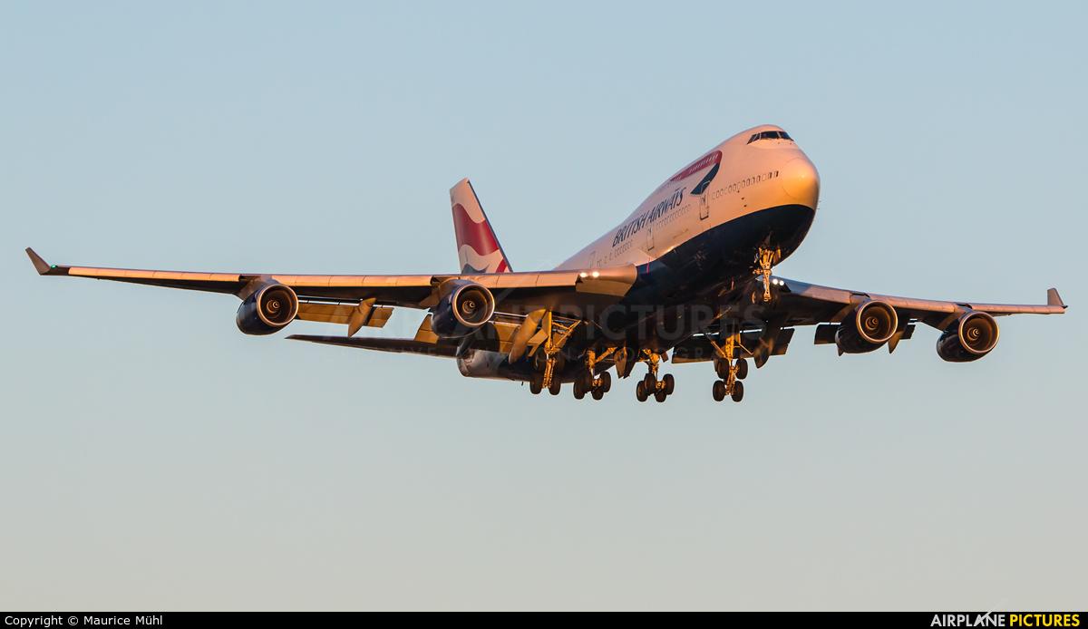 British Airways G-BNLK aircraft at London - Heathrow