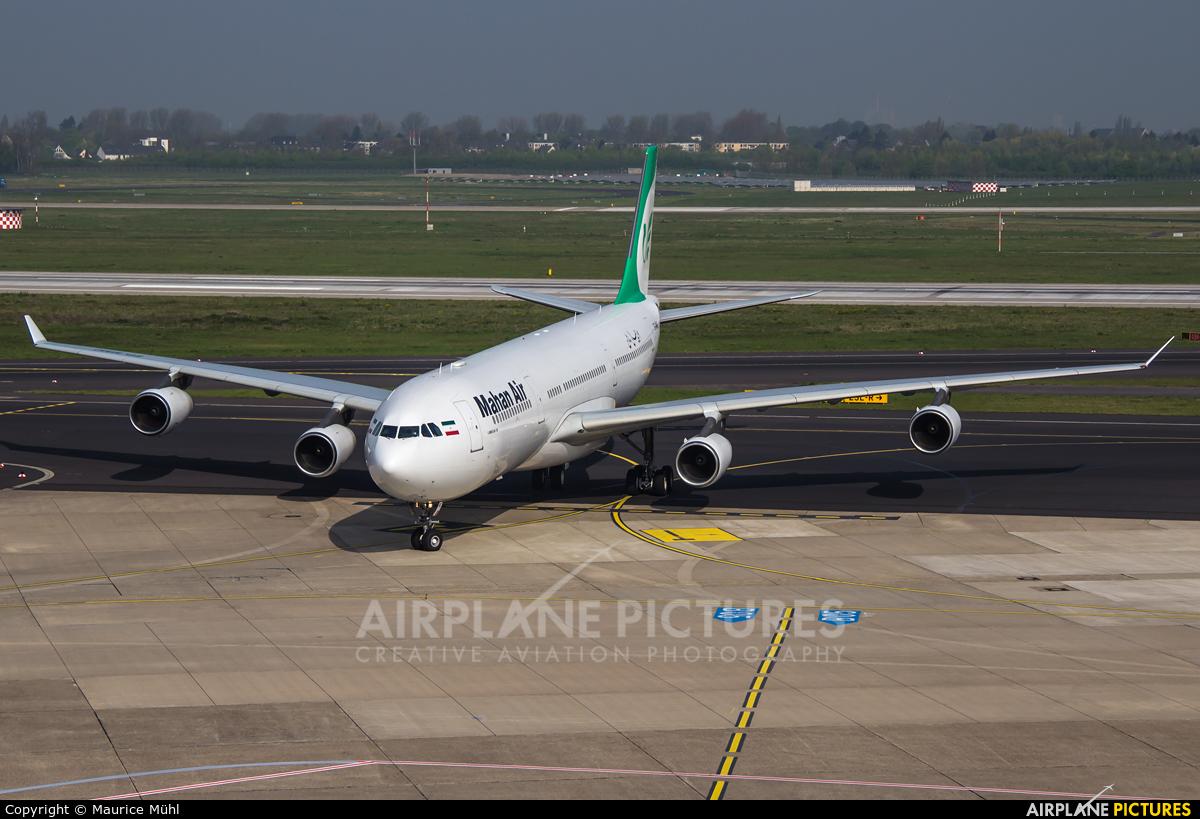 Mahan Air EP-MMC aircraft at Düsseldorf