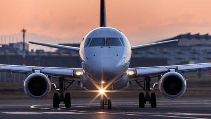 - - J-Air Embraer ERJ-170 (170-100)
