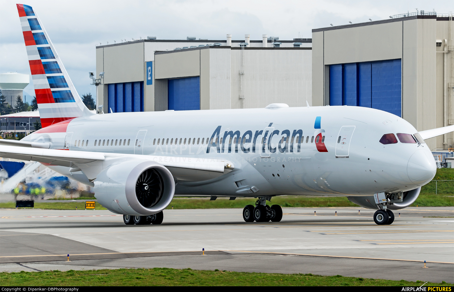 American Airlines N804AN aircraft at Everett - Snohomish County / Paine Field